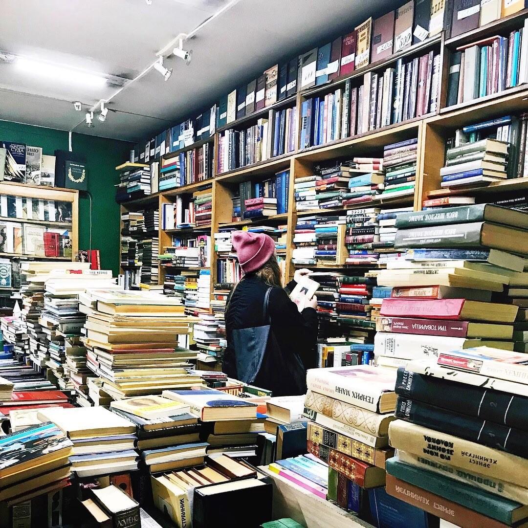 Интересный ретро-книжный в Петербурге